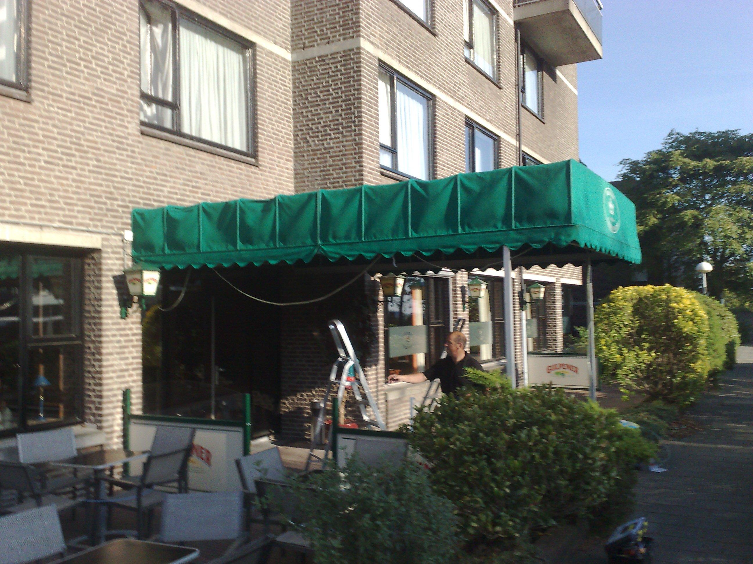 Markiezen reinigen Belvoir te Nijmegen 3