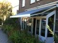 2 terrasschermen in Doornenburg boven een uitbouw 1