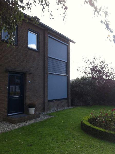 Ritsscreens geplaatst bij woonhuis in Randwijk
